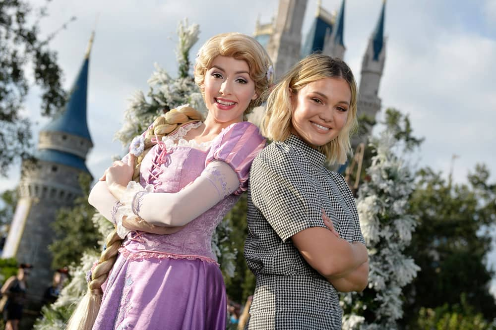 Olivia Holt with Rapunzel (December 2018)