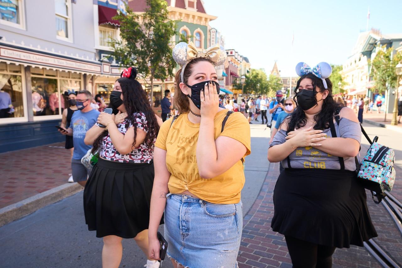 Disneyland celebra reabertura