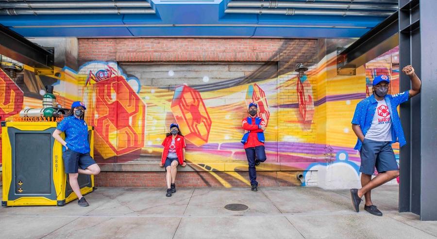 Disney revela uniformes do Avengers Campus