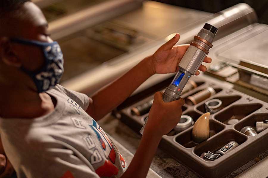 Build your own lightsaber in Savi's Workshop - Handbuilt Lightsabers at Disneyland Resort