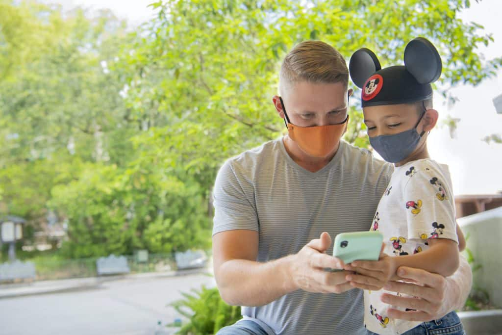 Guests using the Disneyland App