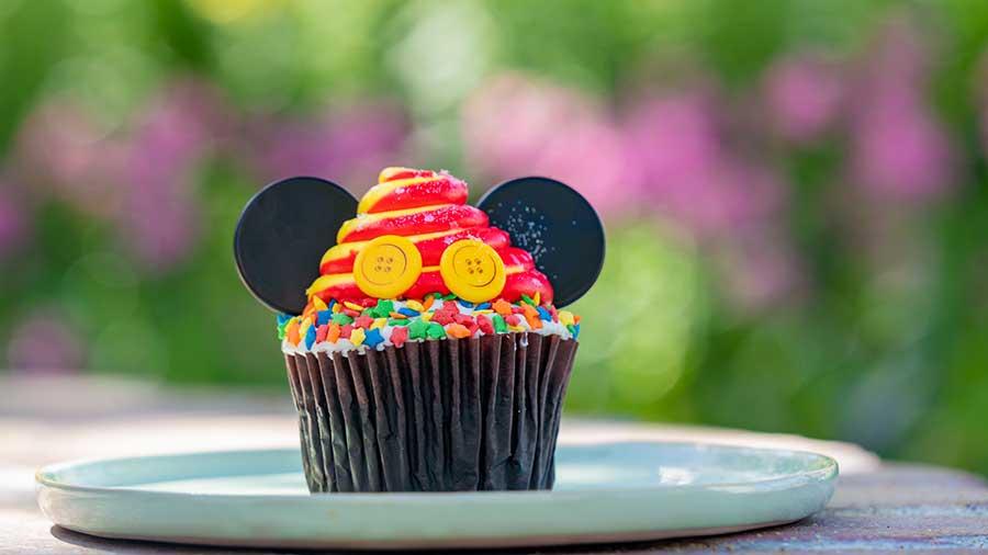 Magic is Here Cupcake, Jolly Holliday Bakery Cafe, Disneyland Resort