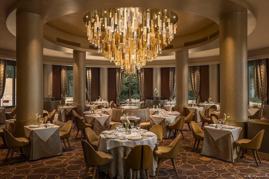 Manhattan Restaurant at Disney's Hotel New York – The Art of Marvel
