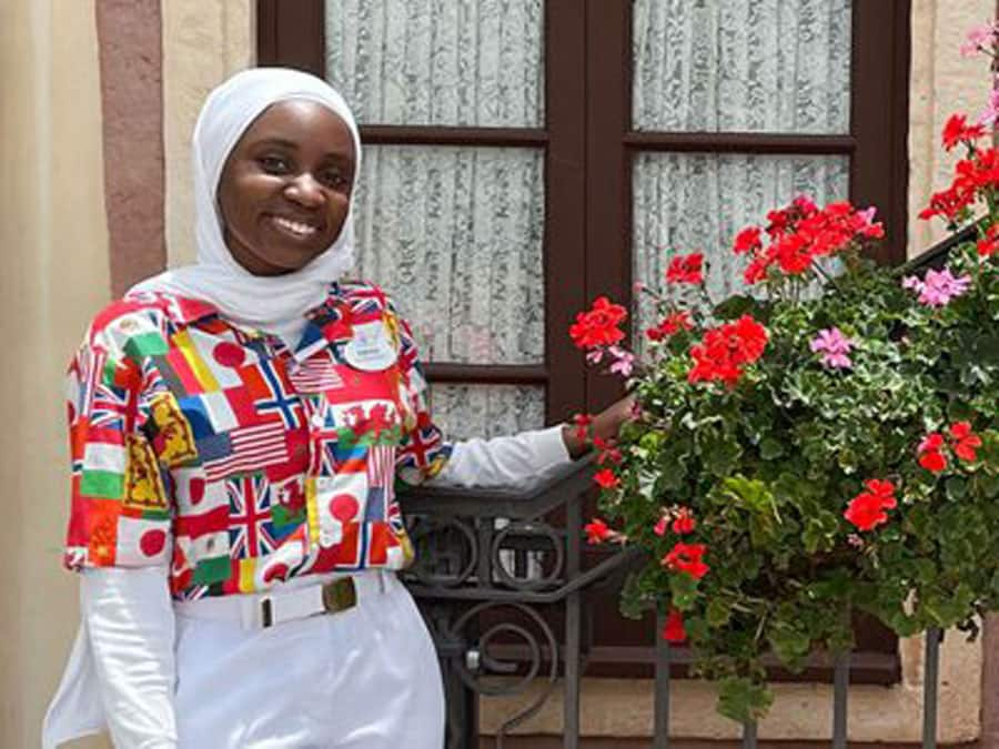 Cast Member, Amina