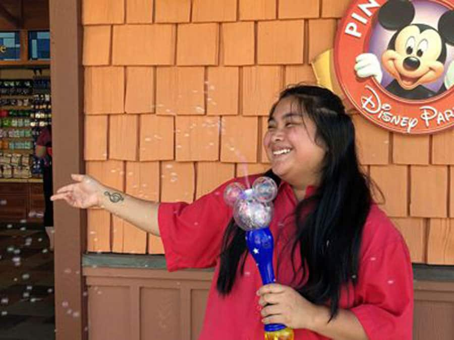 Cast Member, Tailei