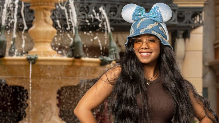 H.E.R. passa férias na Disney e conta quais são seus favoritos
