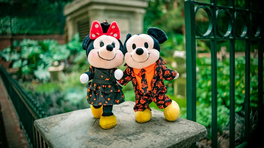 Mickey and Minnie Mouse Disney nuiMOs in their Halloween outfits