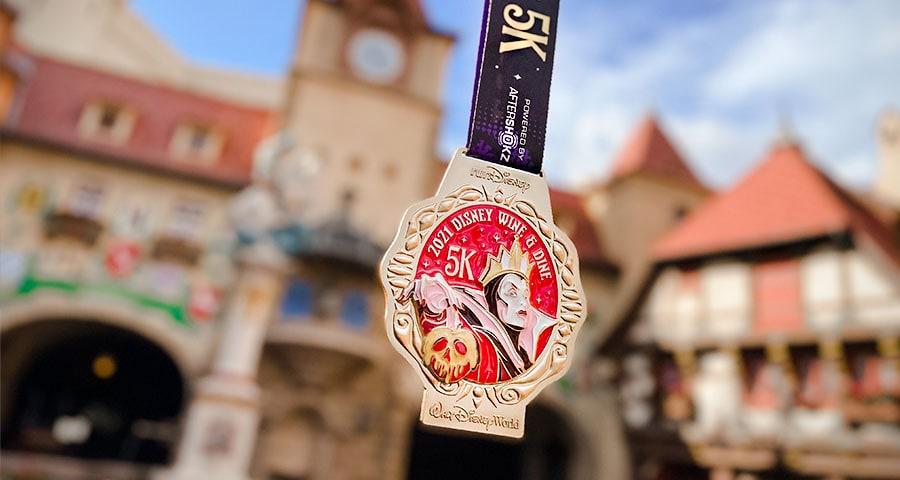 2021 Disney Wine & Dine 5K finisher medal
