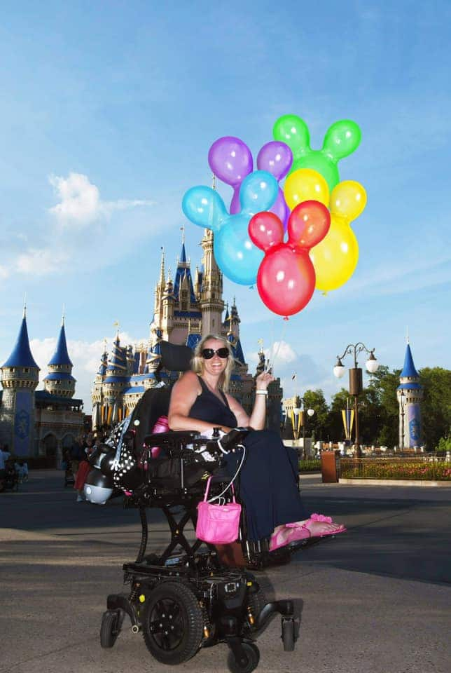 Guest Bliss with Mickey balloon Magic Shot