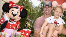 """Legendary football player Drew Brees poses with his daughter Rylen while celebrating her 7th birthday during """"Minnie & Friends – Breakfast in the Park"""" at Disneyland Park"""