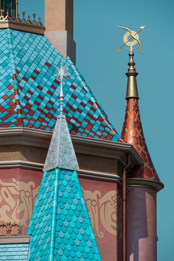 Frozen-inspired details of Castle of a Million Dreams