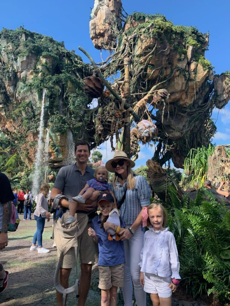 Disney Magic Makers Beery Family together at Pandora - The World of Avatar floating mountains