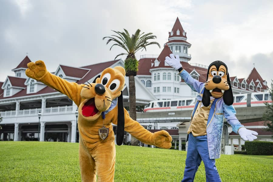 Pluto and Goofy at Disney's Grand Floridian Resort