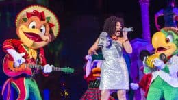 Mickey & Minnie'sVery MerryMemories performance with the Three Caballeros