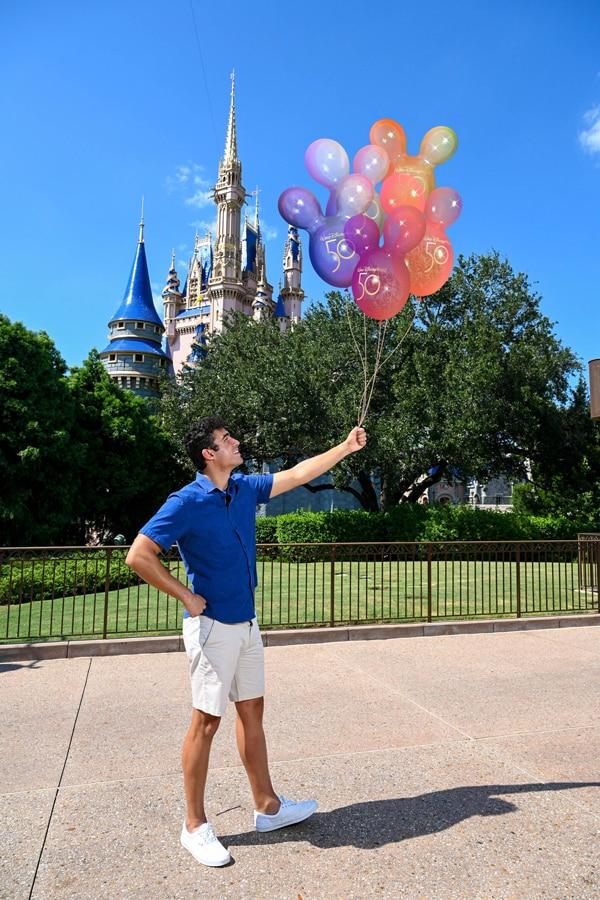 Disney PhotoPass EARidescent Balloons Magic Shot
