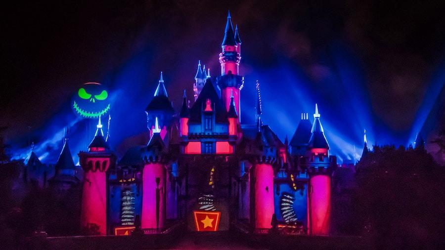 """Halloween screams"" at Disneyland Park"