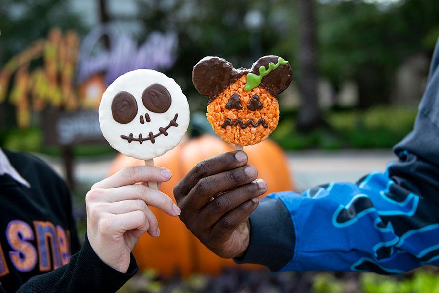 Fall foodie guide Disney Springs 2021 Jack Skellington and mickey pumpkin crispy cereal treat