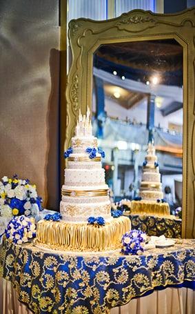 Wedding Cake Wednesday Beast S Castle Disney Weddings
