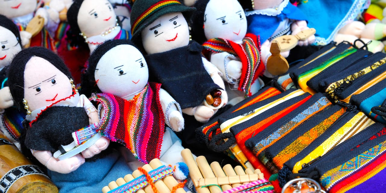 Traditional Ecuadorian dolls, crafts and woven items