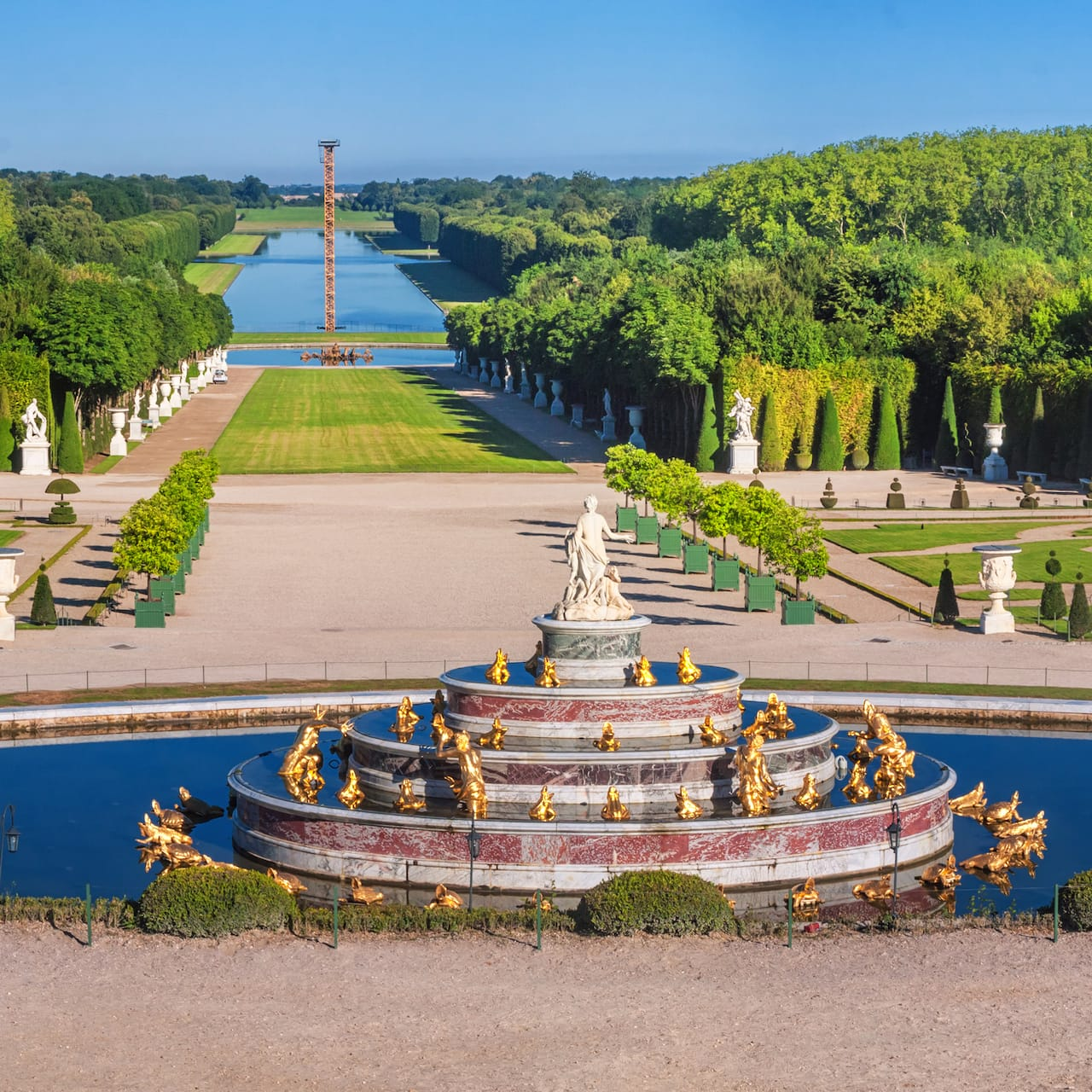 Latona Fountain overlooking an expanse of lawn in the gardens of Versailles