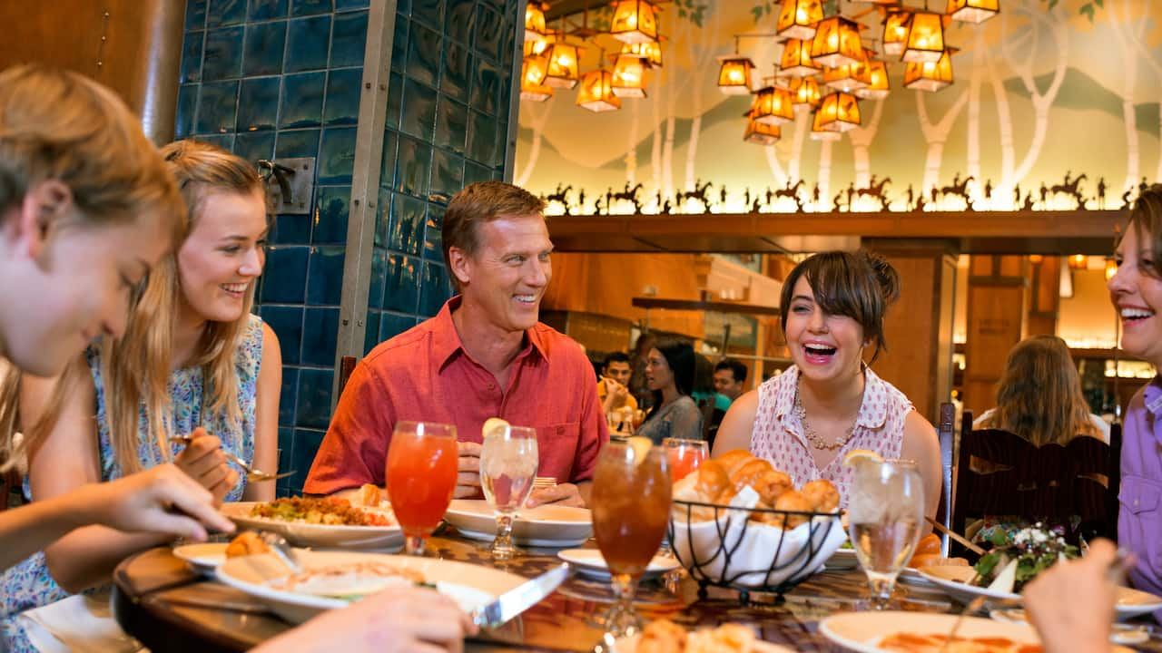 Disneyland Resort offers a convenient way to dine whether you want something quick, cool, classy or Character-filled.