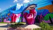 Réplica gigante do Tio Raia do filme da Disney•Pixar Procurando Nemo