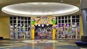 La tienda Everything Pop y la feria de comida en Disney's Pop Century Resort