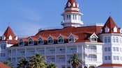 Vista exterior do edifício principal do Disney's Grand Floridian Resort & Spa