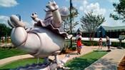 Hipopótamos dançantes no Disney's Fantasia Gardens Miniature Golf Course