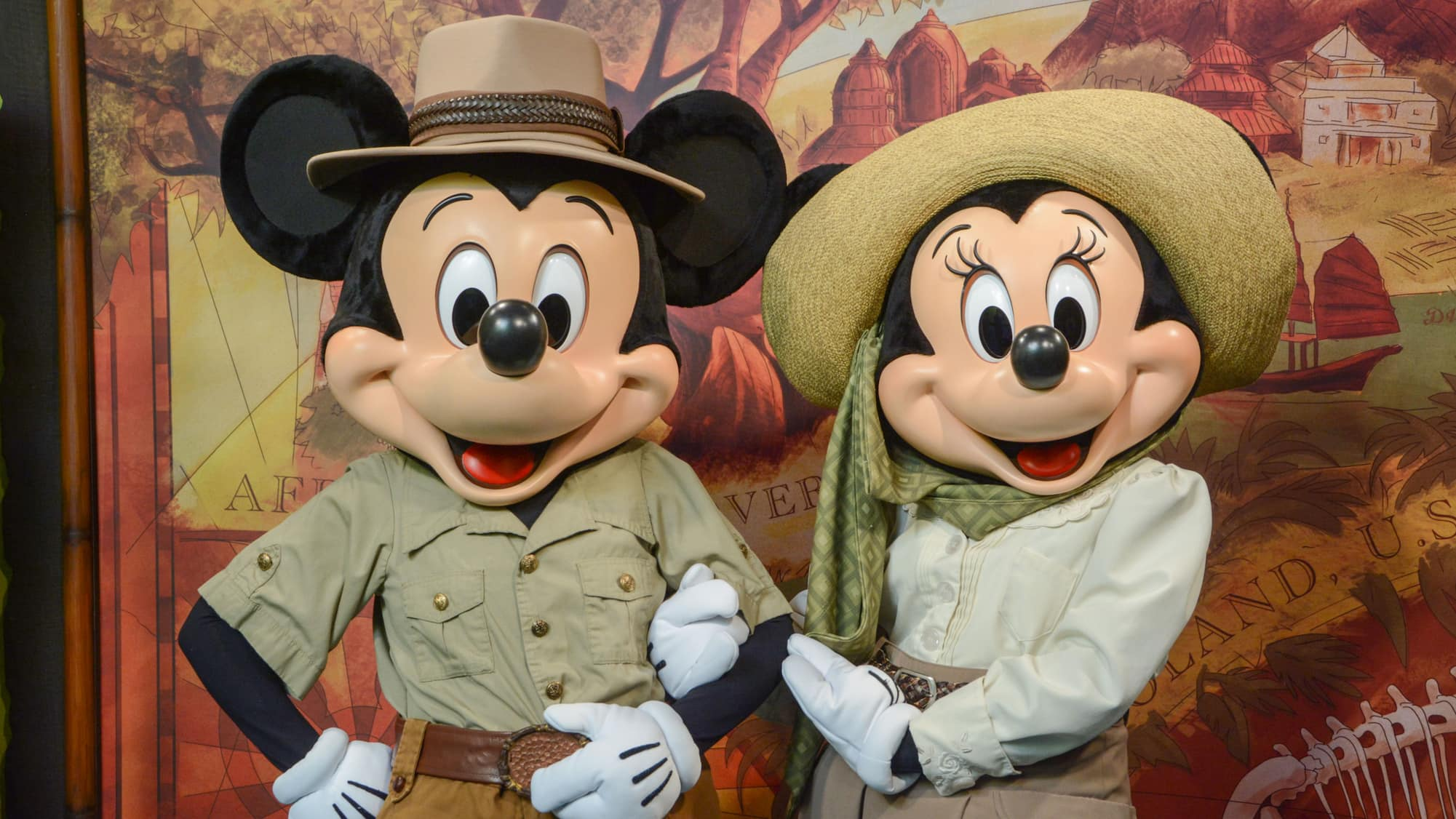 Meet Favorite Disney Pals At Adventurers Outpost Walt Disney