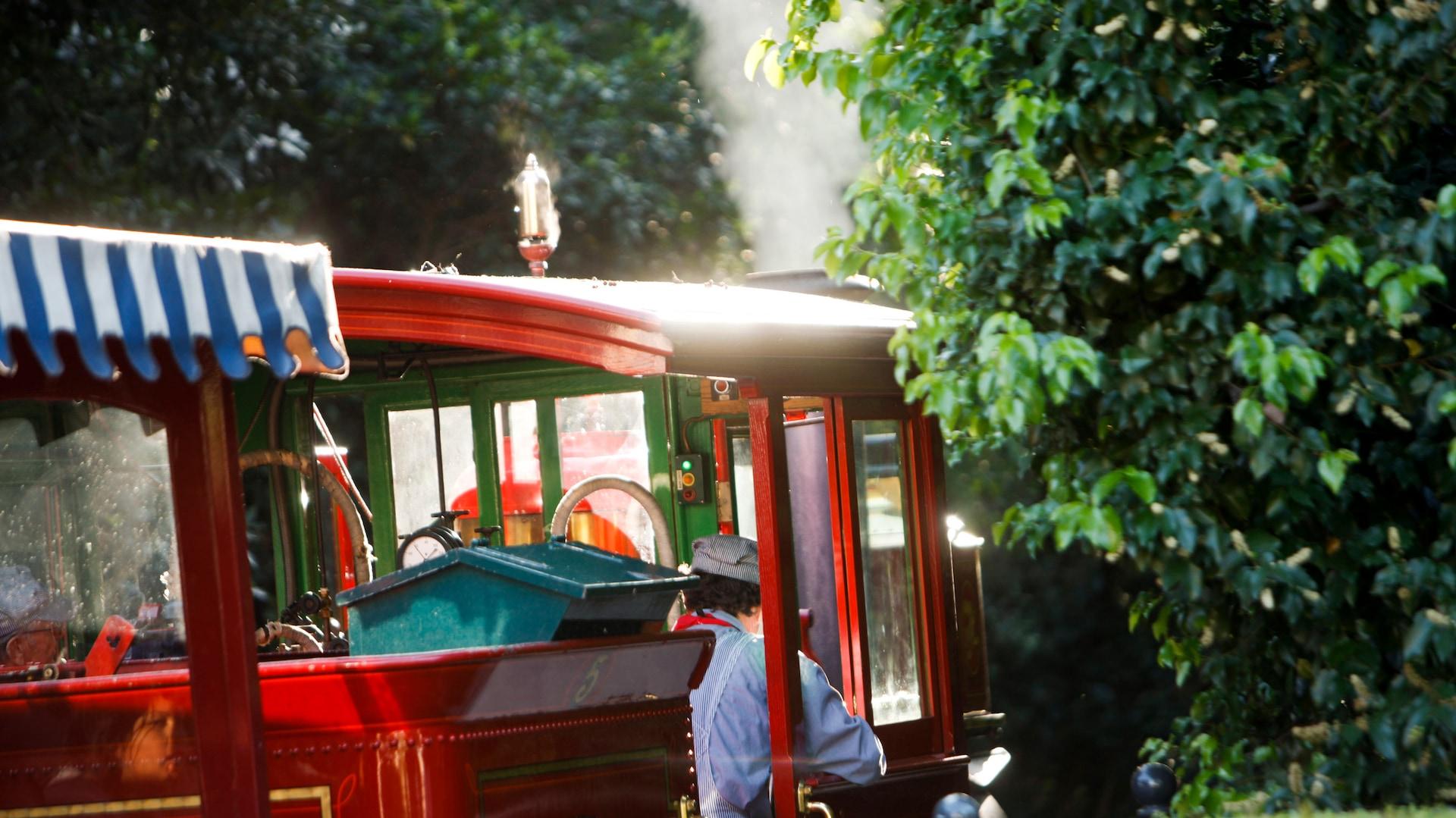 Disneyland Railroad | Disneyland Resort
