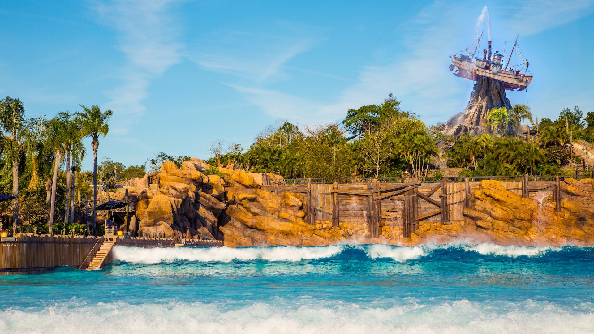 Typhoon Lagoon Surf Pool | Typhoon Lagoon Attractions | Walt ...