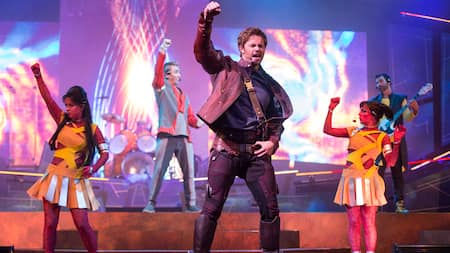 Um show ao vivo com o caçador de recompensas Star Lord do filme Guardians of the Galaxy, da Marvel