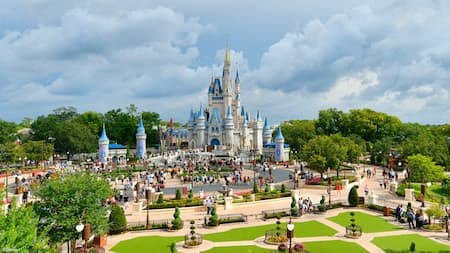 Guests in the plaza in front of Cinderella Castle