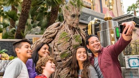 Meet Super Heroes At California Adventure   Disneyland Resort