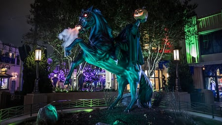 El Jinete Sin Cabeza en Halloween Time en Disneyland Resort