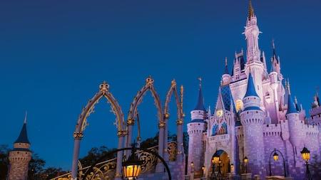 O Castelo da Cinderela ao anoitecer