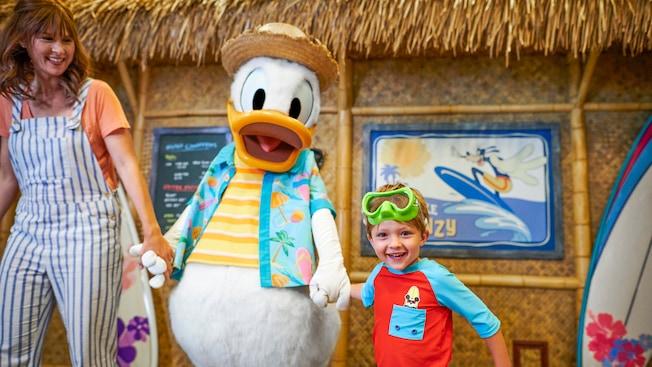 Disney's PCH Grill | Dining & Restaurants | Disney's Paradise Pier
