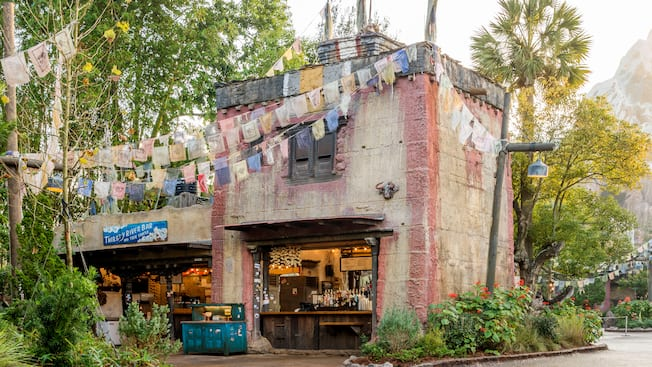 The exterior of the Thirsty River Bar and Trek Snacks
