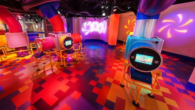 """Área de juegos en ImageWorks - The """"What If"""" Labs con pantallas táctiles para que puedas hacer tu propio Figment"""