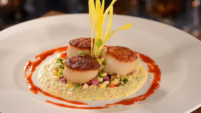 Plancha-seared Hokkaido scallops with Antebellum grits, Brentwood sweet corn and peppadew emulsion