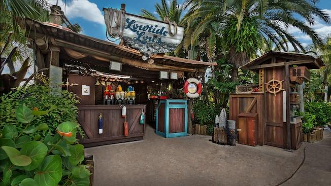 Restaurante de servicio rápido Lowtide Lou's en el Parque Acuático Disney's Typhoon Lagoon