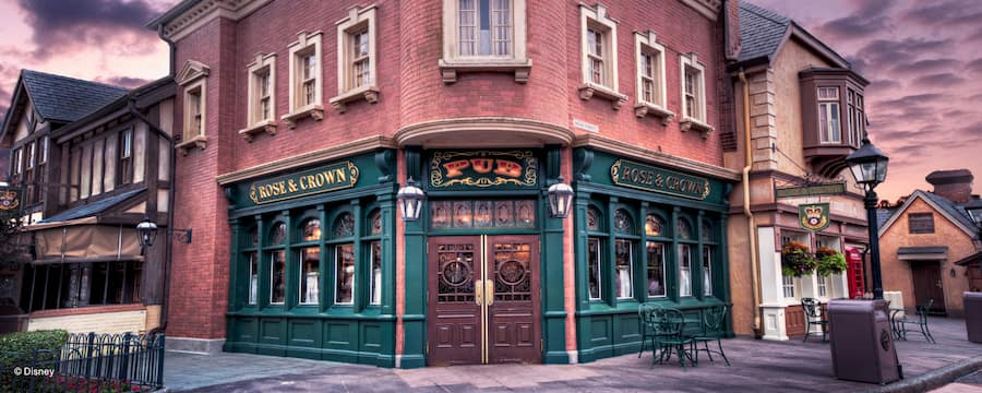 Rose & Crown Pub & Dining Room, at the bottom of a red brick Victorian style building