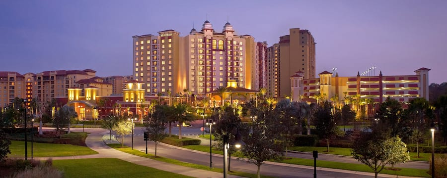 The Wyndham Grand Orlando Resort Bonnet Creek at night