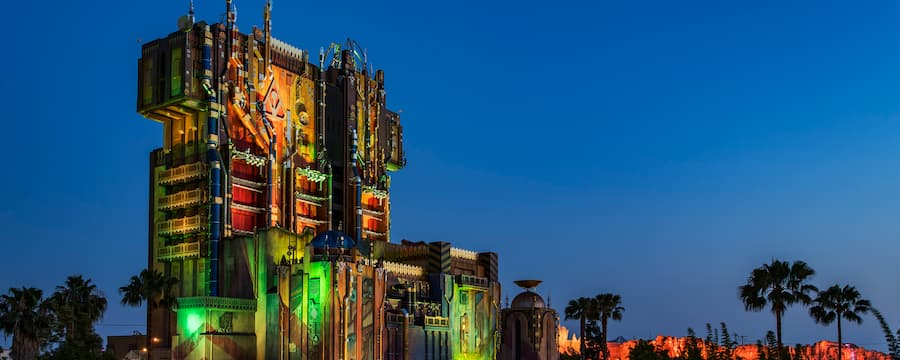 The asymmetrical exterior of Guardians of the Galaxy, Mission Breakout