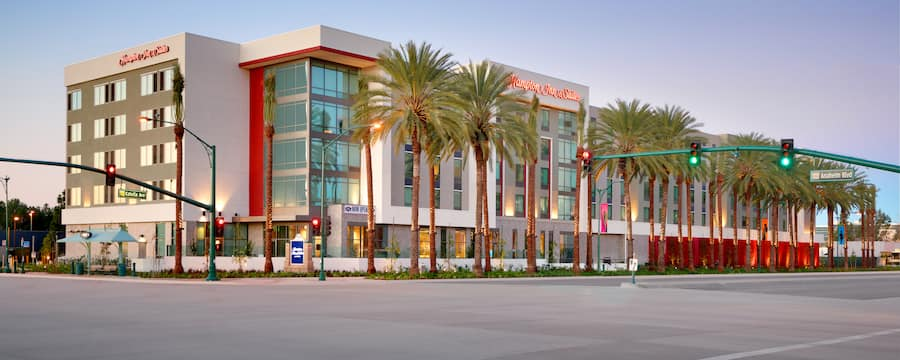 The exterior of Hampton Inn and Suites Anaheim Resort Convention Center