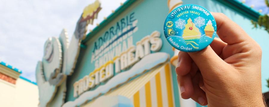 Botón AP ubicado frente al exterior de Adorable Snowman Frosted Treats