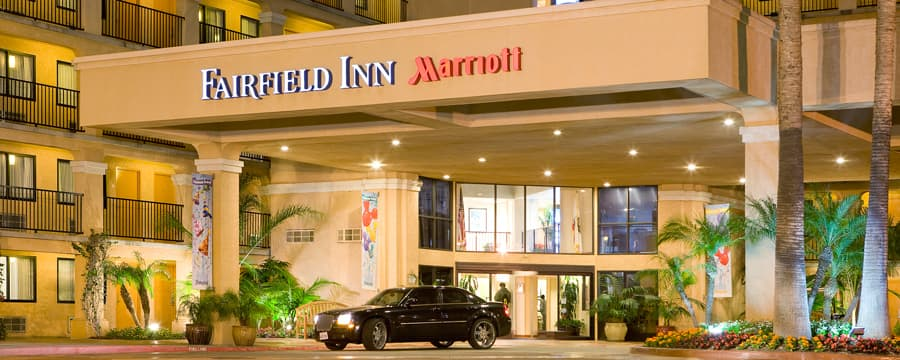 Elegant entrance and exterior of the Fairfield Inn Anaheim Resort Hotel in Anaheim, California