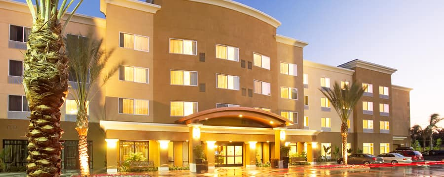 The entrance to the Courtyard by Marriott Anaheim with a clean modern design