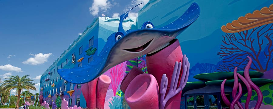 A statue of Mr. Ray outside the Finding Nemo wing at Disney's Art of Animation Resort